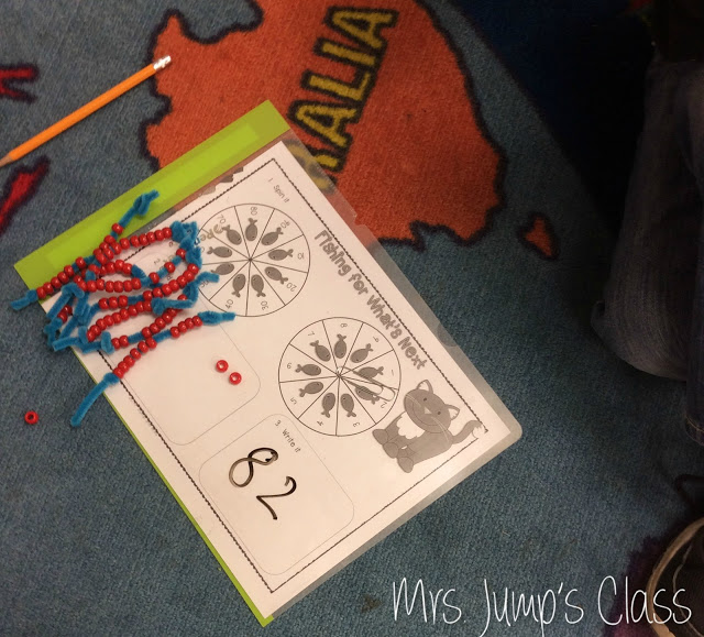 Kindergarten Guided Math and First Grade Guided Math Workshop Structure. This post will show you how to set up your math workshop block! Tips and activities for your classroom!
