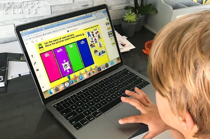 Digital phonics daily activities for kindergarten and first grade. 1-click Seesaw links and PowerPoint versions available for easy use!
